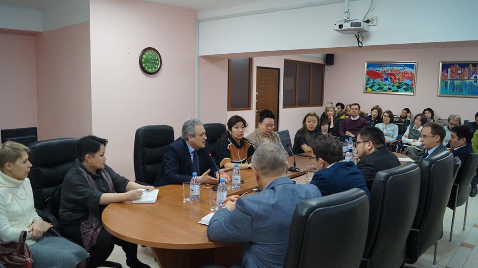 На базе КазНИИ онкологии и радиологии 29 января и 9 февраля проведены двусторонние переговоры с 15 зарубежными фармпроизводителями.