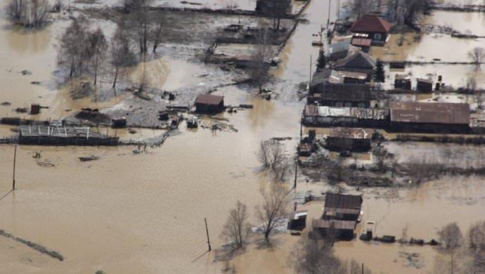 КазНИИОиР оказал материальную помощь пострадавшим от потопления в Аягозе
