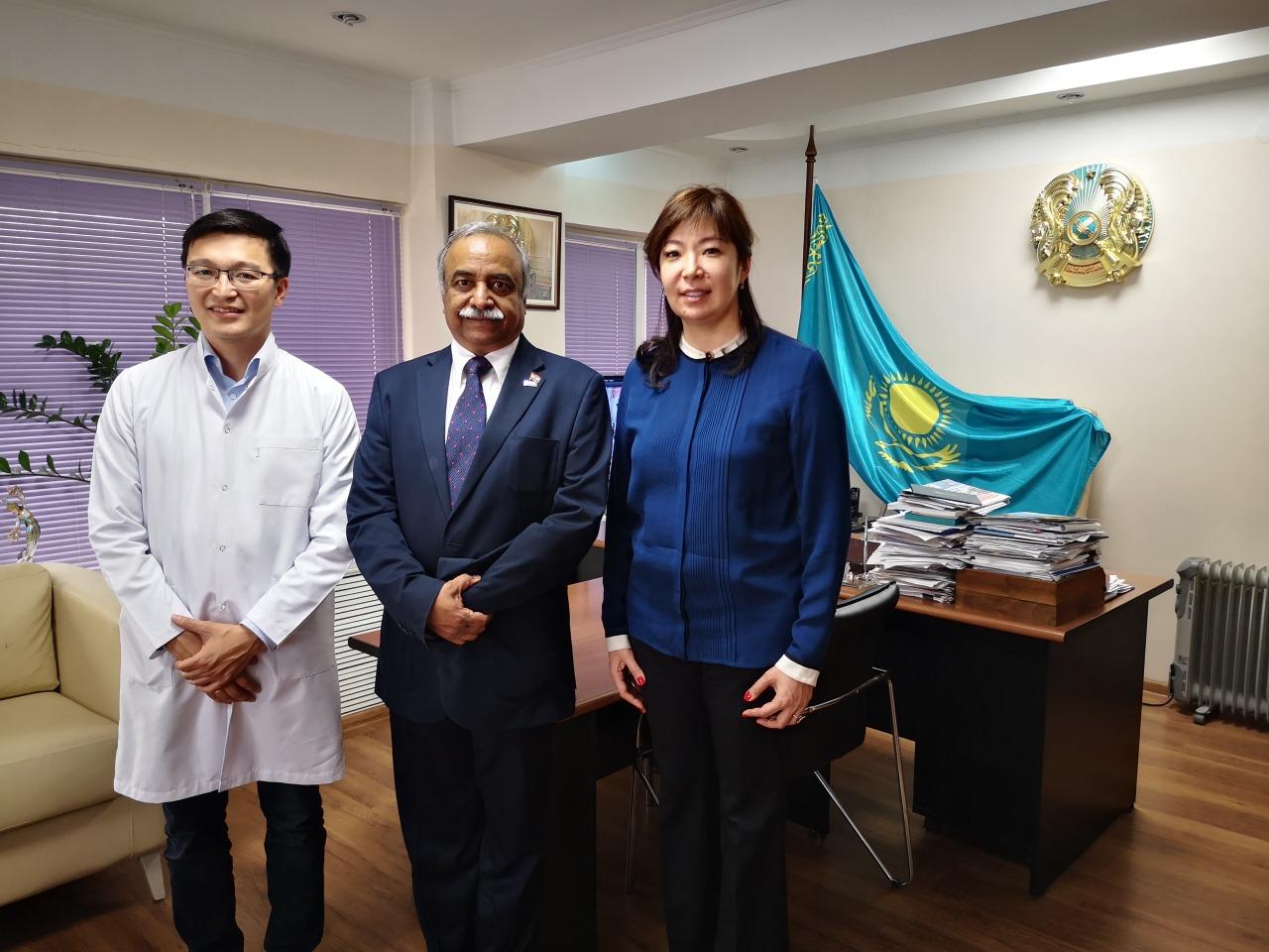 КазНИИОиР посетил профессор Динеш Пендхаркар из Ассоциации клинических онкологов США