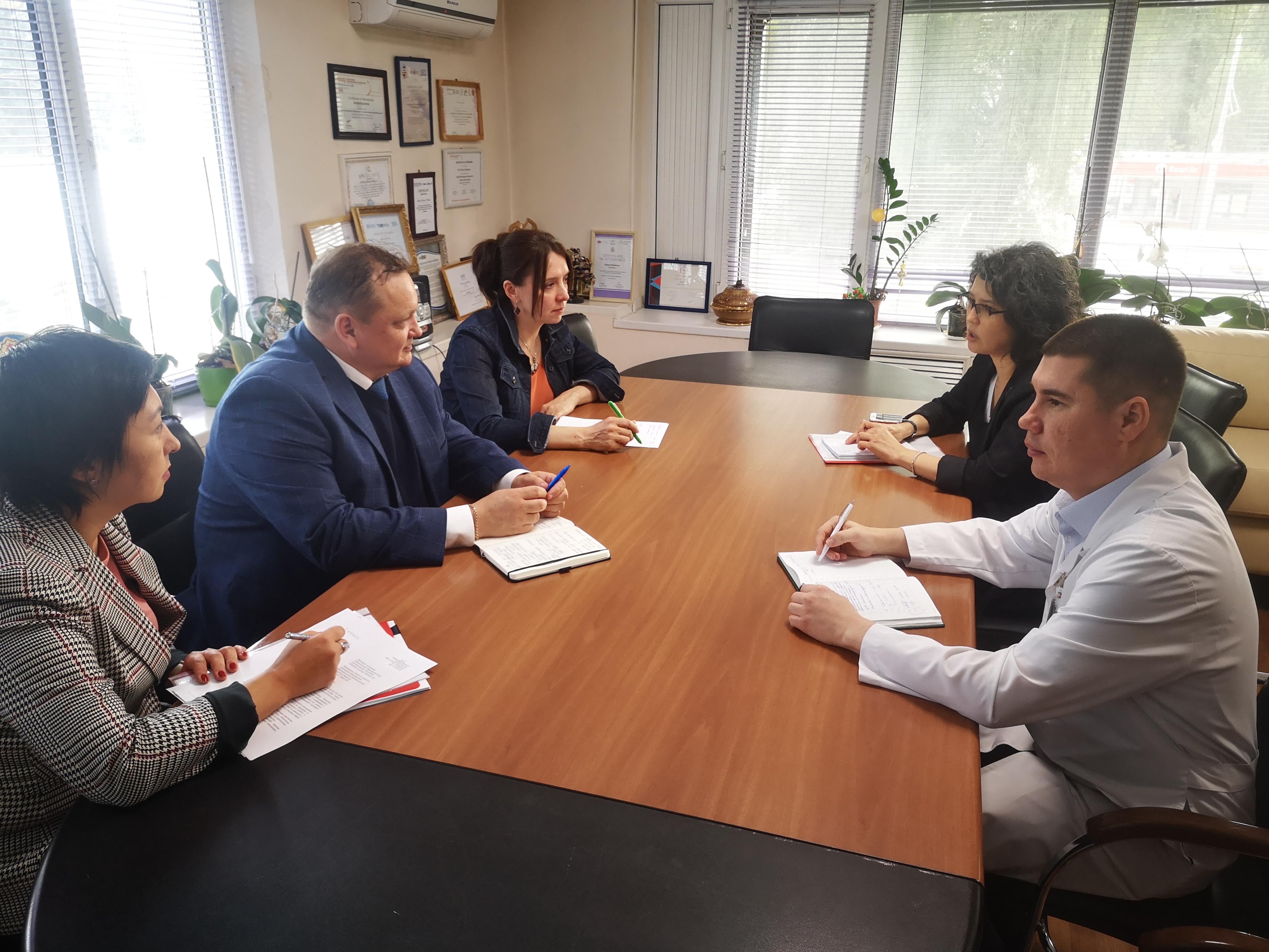 10 сентября 2019 г. на базе КазНИИ онкологии и радиологии состоялась встреча с представителями компании Novartis.