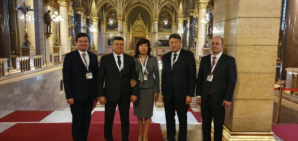 23-24 января в г. Будапешт (Венгрия) проходит II Конференция Центральной и Восточно-Европейской Академии онкологии (CEEAO). Академия объединяет ученых-онкологов, признанных экспертов из 21 страны Европы и Центральной Азии