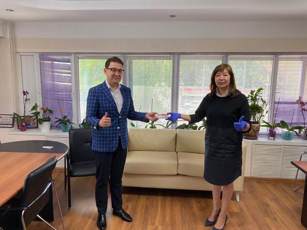 Международная независимая фармацевтическая компания «Сервье» оказала благотворительную помощь Казахскому Научно-Исследовательскому институту онкологии и радиологии
