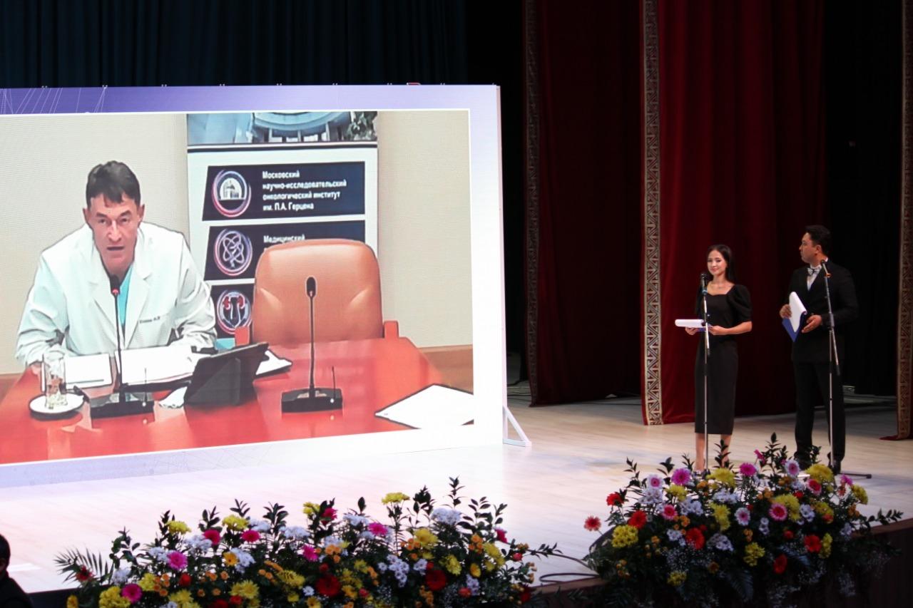 VIII Съезд онкологов и радиологов Казахстана с международным участием проходит в Туркестане